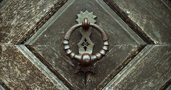 Door_Knocker_RoyaltyFree